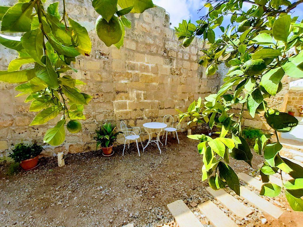 garden bed and breakfast malta